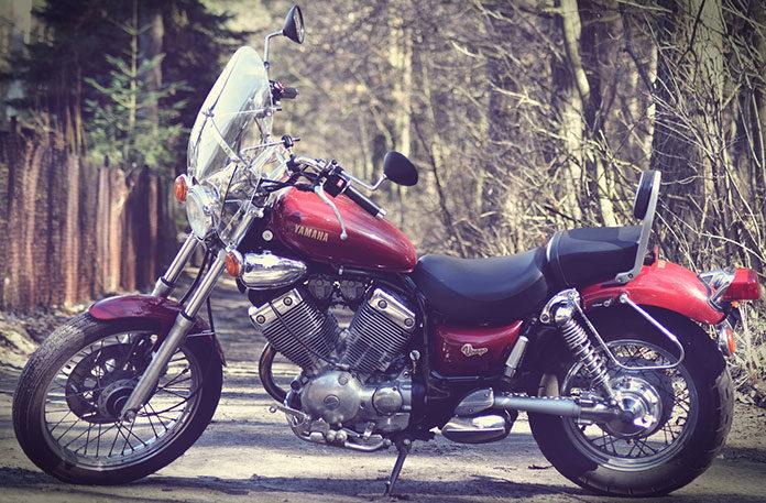 Długa podróż motocyklem – co ze sobą zabrać?