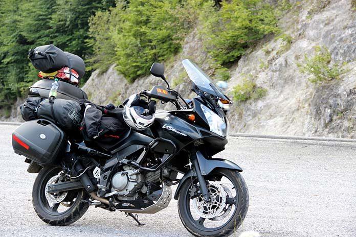 Podróż motocyklem – jak bezpiecznie i wygodnie przewozić bagaże?